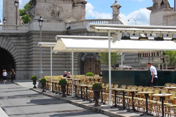 Lovely cafés along the Seine