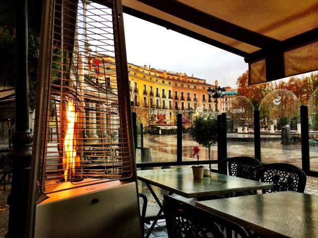 A Rainy Sunday in a café