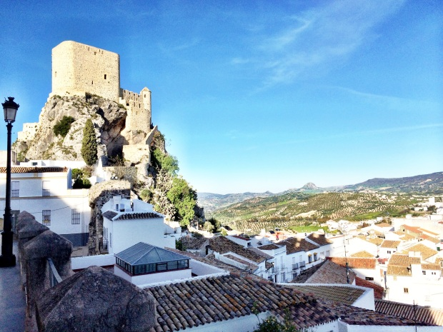 Blue skies, white towns, castles... Andalucía