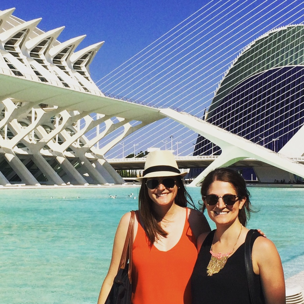 Amigas in Valencia at the City of Arts and Sciences